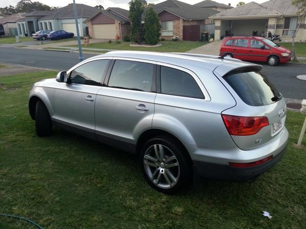 Audi-Q7-silver