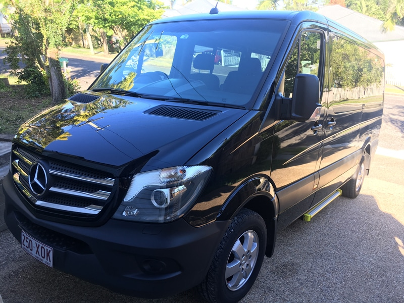 Mercedes-Black-Sprinter
